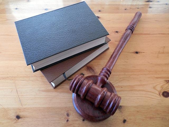 ヤミ金業者と貸金業法